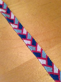 Braceletbook.com - making friendship bracelets