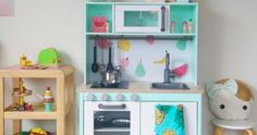 Astoundingly beautiful IKEA kitchen hacks for kids (that are NOT difficult to DIY) Ikea Childrens Kitchen, Ikea Kitchen, Kitchen Hacks, Ikea Kids, Design Your Own, Kids Room, Arts And Crafts, Shelves, Envy