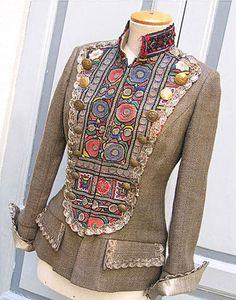 inspiration for felted work - Indalia Fashion - Asian and Italian fabrics combined with Italian tailoring Fashion Moda, Boho Fashion, Fashion Dresses, Womens Fashion, Fashion Design, Sewing Clothes, Diy Clothes, Mode Xl, Vestidos Neon