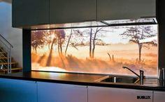 podświetlany plexiglass - najlepiej z panoramą jakiegoś miasta