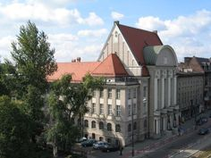 University of Economics - then the College of Social and Economic Sciences - was opened to students on January 11, 1937 when first lectures at the Faculty of Industrial Organisation took place.