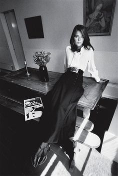 vogue paris, 1970 - charlotte rampling - outfit: yves saint laurent - photography by: jeanloup sieff. Charlotte Rampling, 70s Fashion, Fashion History, Look Fashion, Vintage Fashion, Trendy Fashion, White Fashion, Vintage Beauty, Fashion Models