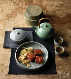 음식의 맛과 담음새에 품격을 더하는 전통 그릇 6가지 Korean Tea, Asian Tea, Korean Food, Korean Dessert, Tea Culture, Food Concept, Cafe Food, Mets, Food Presentation