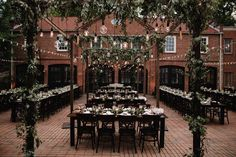 Botanical Wedding at Cheekwood Gardens & Museum of Art. Pic by Brightwood Photography.