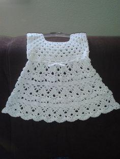 Wit gehaakt jurkje