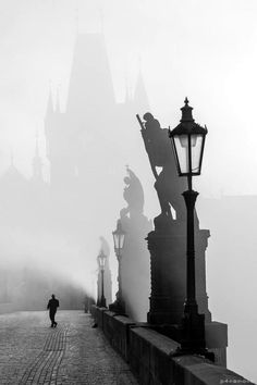Charles bridge without crowds:-) Rare...www.praguebehindthescenes.com