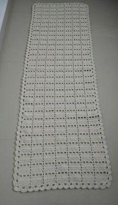 crochet doilies rugs mats and Filet Crochet, Crochet Doily Rug, Quick Crochet, Crochet Flower Patterns, Crochet Art, Crochet Squares, Crochet Home, Crochet Blanket Patterns, Baby Blanket Crochet