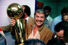 Jerry Buss, owner of the Lakers, with the NBA Championship trophy after Game 6 in the 2010 NBA Finals Los Angeles Lakers, Jerry Buss, Poses, Football Team Names, Lakers Championships, Chris Bosh, I Love La, Nfl News, Sports News