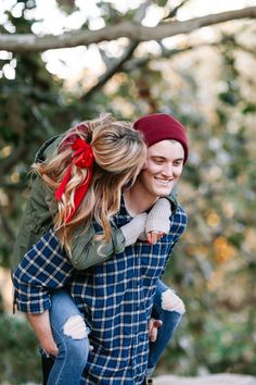 SMP Blogger Bride: Livvyland Shares How to Get the Perfect Mistletoe Photo