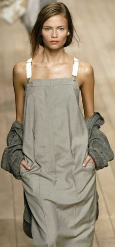 Natasha Poly at Max Mara Spring Summer fashion consciousness ♥♥♥♥♥♥♥♥♥♥♥♥♥♥♥♥♥♥♥♥♥♥ Fashion Details, Look Fashion, High Fashion, Womens Fashion, Fashion Design, Looks Style, Style Me, Black Style, Style Outfits