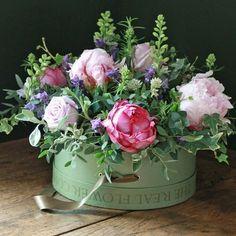 Beautiful flower arrangement   #flowers #floraldesign #tablescapes #entertaining #decor