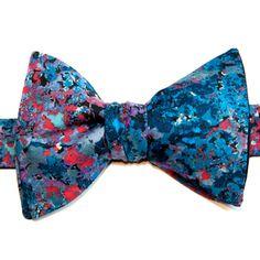 Noeud papillon Le Colonel Moutarde Liberty of London Modèle Renoir Bleu Blue Renoir Liberty Bow Tie