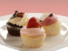 Strawberry Kiwi Daiquiri Cupcakes with Kiwi Curd, Strawberry Rum Frosting, and Strawberry Rum Shooter Garnish Recipe : Food Network - FoodNetwork.com