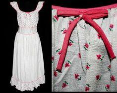 1940s Pink Daisy Print Nightgown  Cotton Nightie  by vintagevixen
