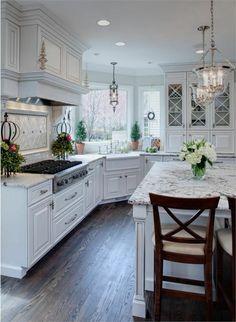 quel type d'ilot de cuisine si on a une cuisine de marbre blanche avec parquette foncé