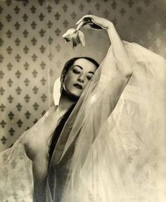 """hoodoothatvoodoo: """" Marika (daughter of Mexican painter Diego Rivera) by Angus McBean 1950 """" Diego Rivera, White Image, Global Art, Art Market, Retro, Erotica, Cool Pictures, The Past, Images"""