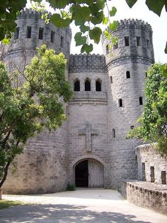 St. Augustine, castle in Florida ◉ re-pinned by  http://www.waterfront-properties.com/pbgoldmarshclub.php