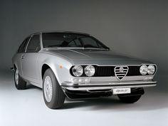 Alfa Romeo Alfetta GT (1974 - 1976).
