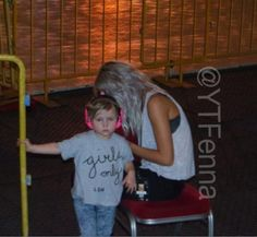 Lux and Lou at the 1D concert in Singapore 2015