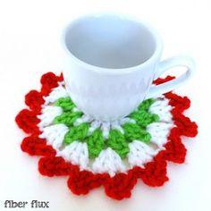 Ravelry: Merry Berry Coasters pattern by Fiber Flux / Jennifer Dickerson Christmas Crochet Patterns, Holiday Crochet, Christmas Knitting, Crochet Gifts, Free Crochet, Crochet Coaster, Crochet Ornaments, Santa Ornaments, Crochet Baby