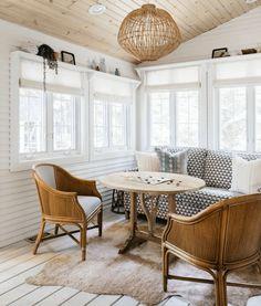 Home Decor Living Room .Home Decor Living Room Games Room Inspiration, Small Sunroom, Home Interior, Interior Design, Sunroom Decorating, Sunroom Ideas, Decorating Ideas, Cozy House, Home Decor Accessories