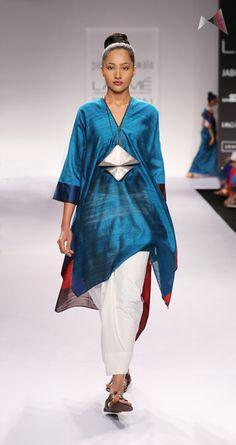 payalkhandwala - - Silk Slit Neck Kurta and Cotton Lungi Skirt Payal Khandwala, Salwar Suits, Salwar Kameez, Indian Fashion, Womens Fashion, Sharara, Clothing Labels, Kurta Designs, Clothes Horse