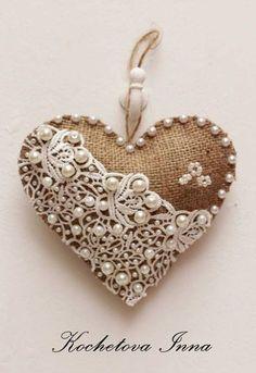Author's hearts from a sacking: simplicity of a decor // ALLA AVERINA Heart Decorations, Valentine Decorations, Valentine Crafts, Holiday Crafts, Valentines, Diy Christmas Ornaments, Felt Ornaments, Handmade Christmas, Doll Crafts