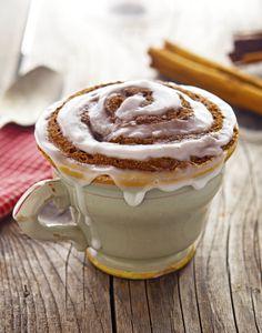 Paleo Cinnamon Roll Mug Cake Mug Cake Micro Onde, Dessert Micro Onde, Paleo Sweets, Paleo Dessert, Dessert Recipes, Dessert Cups, Mug Cakes, Cake Mug, Mug Recipes