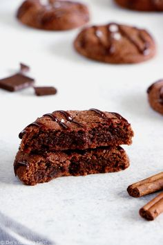 Mexican Chocolate snickerdoodles are a lovely take on the classic snickerdoodles that pack a powerful flavor punch of cinnamon, cayenne pepper and cocoa. Hot Chocolate Coffee, French Chocolate, Mexican Hot Chocolate, Delicious Chocolate, Chocolate Flavors, Mélanges Pour Cookies, Cookies Et Biscuits, Chocolate Chip Cookie Mix, Chocolate Cake