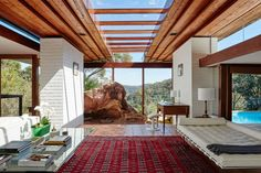 Architect-designed modern house for sale in Palm Beach. Bynya House by Peter Muller Architect. Australian Architecture, Australian Homes, Interior Architecture, Interior And Exterior, Australian Bush, Interior Design, Mid-century Modern, Modern Design, Danish Modern