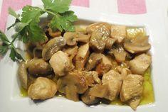 Χοιρινές μπουκίτσες λεμονάτες. Μικρές μπουκίτσες χοιρινού με μανιτάρια και λεμόνι! Greek Recipes, Meat Recipes, Easy Food To Make, Sweet And Salty, Kung Pao Chicken, Main Dishes, Almond, Food And Drink, Pork