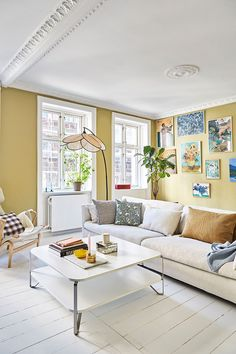 〚 Жительница Копенгагена объединила две квартиры в одну и сделала кухню-столовую своей мечты 〛 ◾ Фото ◾ Идеи◾ Дизайн Living Spaces, Living Room, Cozy Living, Best Bathroom Designs, Copenhagen Style, Cozy Apartment, Kitchen Photos, Ikea Kitchen, Amazing Bathrooms