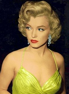 Marilyn Monroe-Have pinned this before, but it remains one of my favorites!