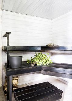 Portable Steam Sauna - We Answer All Your Questions! Summer House Interiors, Summer House, Log Homes, Amazing Bathrooms, Best Cleaning Products, Finnish Sauna, Portable Steam Sauna, Scandinavian Cottage, Spa Rooms
