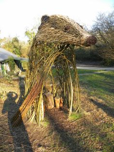 Michelle Cain: Living Willow Sculpture/Installation Commissions This is a good web page lots of wonderful things to enjoy.