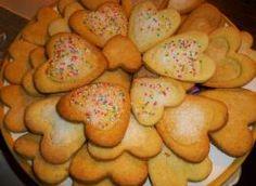 Walentynkowe serduszka Składniki: 3 szklanki mąki, 0, 1 margaryna/masło, 5 jajek, 1 łyżeczka proszku do pieczenia Potatoes, Cookies, Vegetables, Health, Food, Anna, Biscuits, Salud, Meal