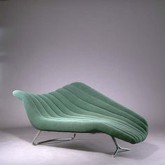 Hans Hartl, Soloform Chaise Longue for Eugen Schmidt, Design is an ever changing fashion. Inspiration for today's contemporary designs are often influenced by what has been Danish Modern, Mid-century Modern, Modern Living, Schmidt, Funky Furniture, Furniture Design, Design Moderne, Take A Seat, Mid Century Furniture