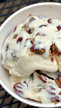 mess of greens: southern food & hospitality: bourbon ice cream with salted butter pecans Ice Cream Treats, Ice Cream Desserts, Frozen Desserts, Ice Cream Recipes, Frozen Treats, Gelato, Butter Pecan, Salted Butter, Bourbon Ice Cream