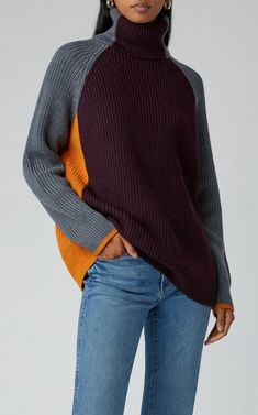 Get inspired and discover Victoria Victoria Beckham trunkshow! Shop the latest Victoria Victoria Beckham collection at Moda Operandi. Knitwear Fashion, Knit Fashion, Sweater Fashion, Fashion Tips, Classy Fashion, Looks Style, My Style, Victoria Beckham Outfits, Mode Jeans