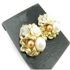 Fashion Flower Shape Stud Earrings with Pearl