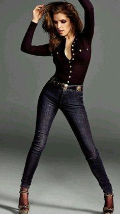 Anna Kendrick, looks leggy and hot Anna Kendrick, Beautiful Celebrities, Beautiful Actresses, Beautiful Women, Beautiful Goddess, Teresa Palmer, Pitch Perfect, Billie Piper, Elizabeth Olsen
