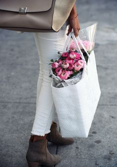 Shopping for Spring Flowers. Looks Chic, Looks Style, Style Me, Girl Style, My Flower, Beautiful Flowers, Fresh Flowers, Flower Bag, Pink Flowers