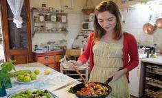 Conoce algunos de losalimentos que reducen el colesterol alto. La Harvard Medical School recomienda alimentos como la avena para reducir el colesterol alto. ¿Cuáles son losalimentos que reducen el colesterol alto?