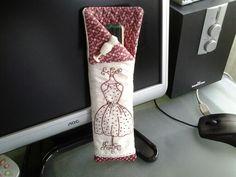 fundas de abanico Textiles, Purse Wallet, Floral Tie, Purses, Accessories, Ideas, Scrappy Quilts, Hand Fans, Sachets