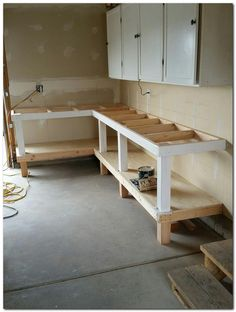 Install the bench top plywood diy workbench, garage workbench plans, woodworking bench, garage Garage Workbench Plans, Workbench Designs, Garage Tools, Garage Workshop, Workbench Ideas, Workbench Top, Folding Workbench, Workshop Bench, Garage Shop