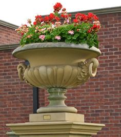 The David Sharp Studio, Masterpieces in Classical Garden Statuary, Garden Fountains and Pool Surrounds. Garden Urns, Garden Fountains, Garden Statues, Front Porch Flowers, Urn Planters, Terracotta Pots, Beautiful Gardens, Container Gardening, Flower Pots