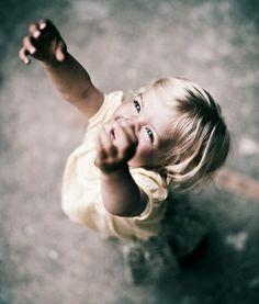 Nunca me esqueço de agradecer as bençãos recebidas e as lições que ainda estou aprendendo. E Deus tem me abençoado com um bons companheiros, noites tranquilas de sono e um despertar feliz. Que mais posso pedir?  Rosi Coelho