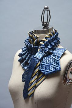 Col lavallière en soie-écharpe cravate recyclée par Day17Vintage