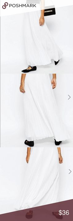 ASOS pleated maxi skirt super cute, never worn. lightweight and flowy! Asos Skirts Maxi