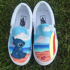 Hand-Painted Disney Stitch Shoes These shoes feature Stitch sitting on a Hawaiian beach next to a surfboard, while Stitchs footprints walk along the back. Vans Sneakers, Vans Customisées, Sneakers Mode, Sneakers Fashion, Vans Shoes Outfit, Cool Vans Shoes, Mens Vans Shoes, Vans Men, Golf Shoes